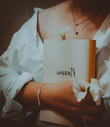 Instagram sisters_as_books