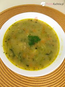 Zupa ogórkowa ze świeżych o...