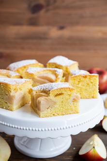 Ekspresowe ciasto z jabłkami