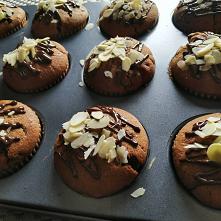 Babeczki czekoladowo-migdałowe