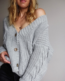 Sweter dostępny na Vinted :...