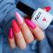 Jeżeli lubicie wszechobecny błysk, mamy dla Was propozycję idealną! Przed Wami połączenie Maliny i Waty Cukrowej, okraszone odrobiną brokatu Rainbow Glitter w odcieniu różowym! Jak Wam się podoba? Bo #nails #pink