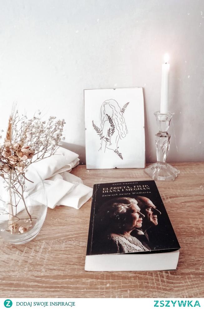 Lubicie ksiazki o tematyce rodzin królewskich? Zapraszamy po więcej na Instagram sisters_as_books :)