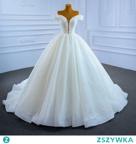 Luksusowe Kość Słoniowa Suknie Ślubne 2021 Suknia Balowa Przy Ramieniu Frezowanie Perła Rhinestone Cekiny Kótkie Rękawy Bez Pleców Trenem Kaplica Ślub