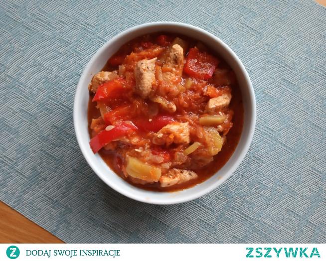 Wiosenny gulasz pomidorowy z kurczakiem - lekki, łatwy i pyszny :)