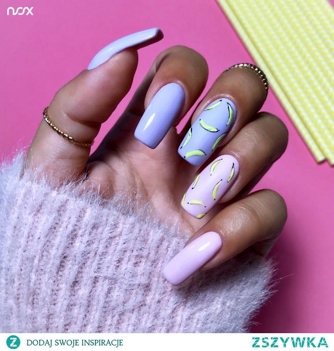 Połączenie naszych cukierkowych lakierów w postaci Wrzosu i Gumy Balonowej to jedna z najefektowniejszych propozycji na wiosenny manicure! Zgadzacie się z nami?
