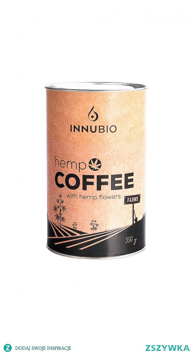 Kawa konopna! Hemp Coffee to połączenie mielonej, wolno palonej i aromatycznej kawy z wyselekcjonowanymi kwiatami konopi włóknistych Cannabis sativa L.. Zawiera pełne spektrum naturalnych kannabinoidów, w tym kannabidiolu (CBD) i kwasu kannabidiolowego (CBDA) oraz naturalną kofeinę. Rozpocznij dzień konopnym akcentem i postaw na naturalne pobudzenie i prozdrowotną dawkę cennych kannabinoidów. LINK znajdziesz w komentarzu...