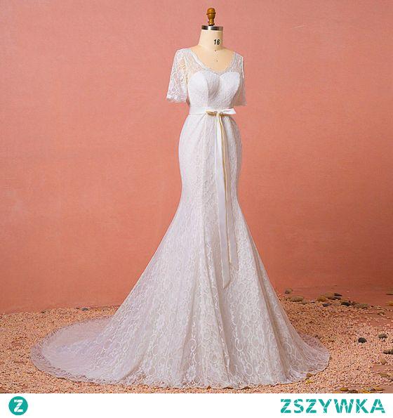 Piękne Kość Słoniowa Z Koronki Kwiat Duży Rozmiar Suknie Ślubne 2021 Syrena / Rozkloszowane V-Szyja Kótkie Rękawy Długie Ślub