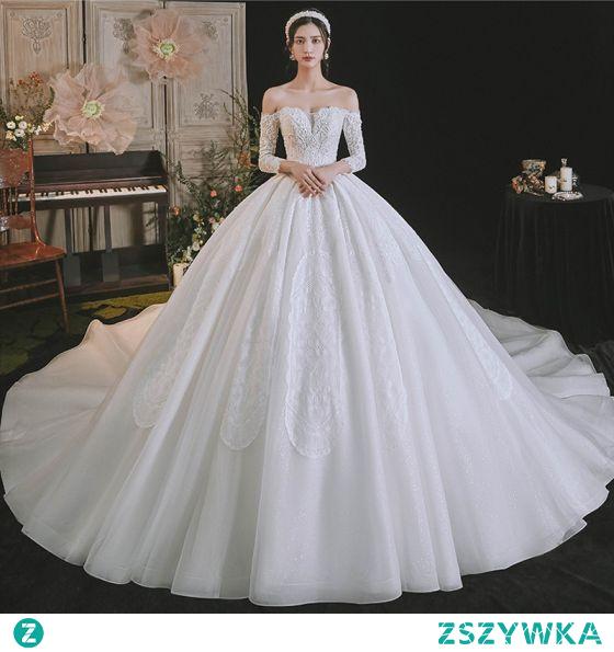 Luksusowe Kość Słoniowa Frezowanie Perła Z Koronki Kwiat Suknie Ślubne 2021 Suknia Balowa Przy Ramieniu Kótkie Rękawy Bez Pleców Trenem Królewski Ślub