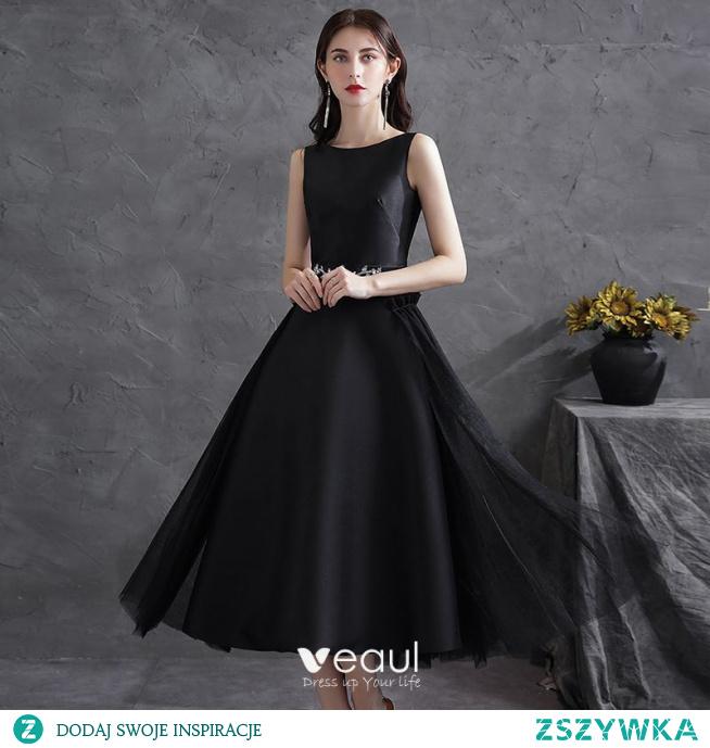 Piękne Czarne Satyna Homecoming Sukienki Na Studniówke 2021 Princessa Wycięciem Rhinestone Szarfa Bez Rękawów Bez Pleców Kokarda Długość Herbaty Sukienki Wizytowe