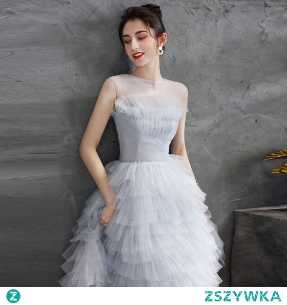 Stylowe / Modne Szary Plisowane Sukienki Koktajlowe Strona Sukienka 2021 Princessa Wycięciem Bez Rękawów Długość do kolan Koktajlowe Sukienki Wizytowe