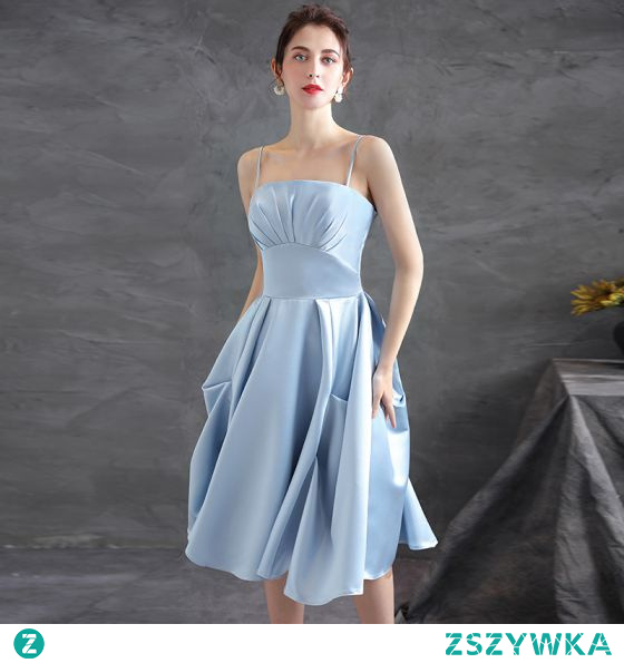 Piękne Błękitne Satyna Homecoming Sukienki Na Studniówke 2021 Princessa Spaghetti Pasy Bez Rękawów Bez Pleców Długość Herbaty Sukienki Wizytowe