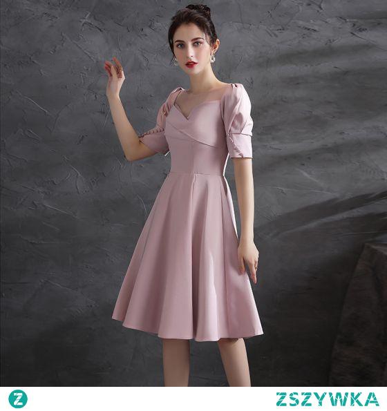 Piękne Rumieniąc Różowy Homecoming Satyna Sukienki Na Studniówke 2021 Princessa Wycięciem Kótkie Rękawy Bez Pleców Długość do kolan Sukienki Wizytowe