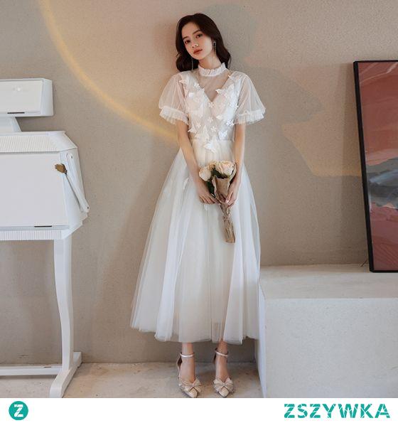 Stylowe / Modne Kość Słoniowa Homecoming Sukienki Wieczorowe Sukienki Na Studniówke 2021 Princessa Wysokiej Szyi Z Koronki Motyl Wzburzyć Kótkie Rękawy Długie Bal Sukienki Wizytowe