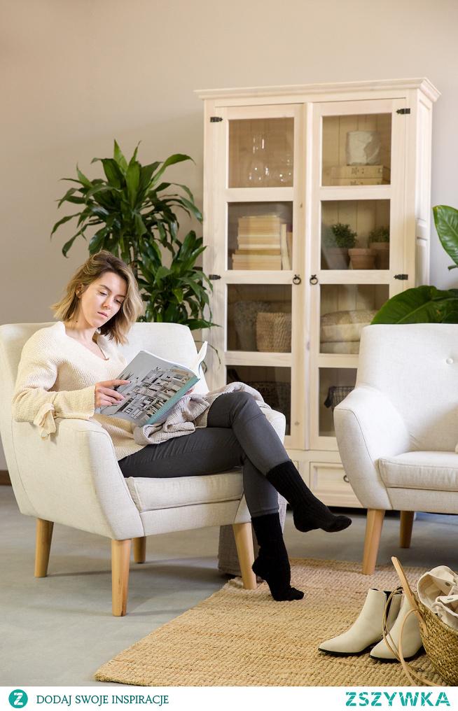 Drewniana witryna oszklona do salonu #Dodatki #Dom #Meble #Stylizacja #Wystrójwnętrz #Wnętrze #Salon #witryna #Beautiful   #Design #Design