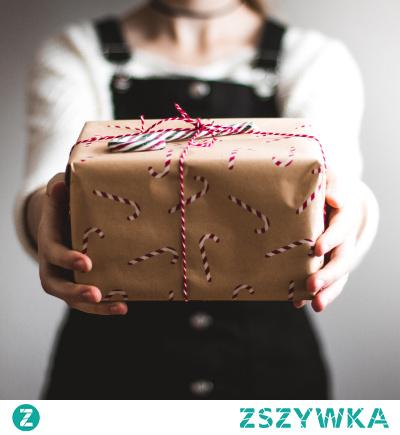 Trafiony prezent na dzień mamy - co to może być? Inspiracje znajdziesz zapoznając się z setami, oferowanymi przez Kosze Okazjonalne.