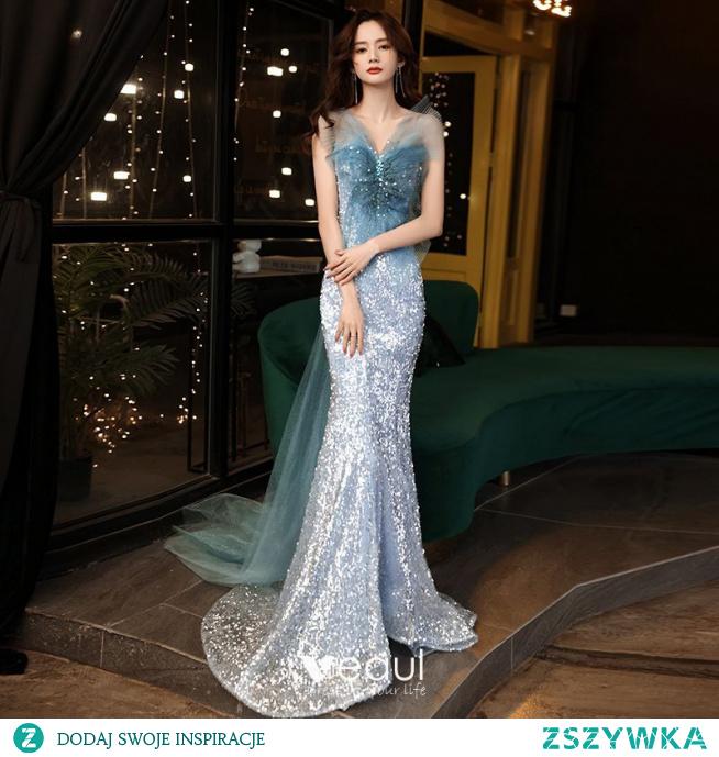 Oszałamiający Błękitne Cekiny Sukienki Wieczorowe 2021 Syrena / Rozkloszowane Bez Ramiączek Bez Rękawów Bez Pleców Kokarda Trenem Sweep Wieczorowe Sukienki Wizytowe
