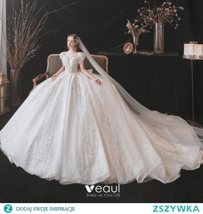 Luksusowe Kość Słoniowa Z Koronki Suknie Ślubne 2021 Suknia Balowa Wycięciem Frezowanie Cekiny Rękawy z Kapturkiem Bez Pleców Trenem Królewski Ślub