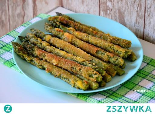 Banalny przepis, a taki dobry! Przepyszne podwójnie panierowane szparagi w jedną chwilę. Doskonała przekąska do obiadu, grilla czy kolacji. #szparagi #panierka