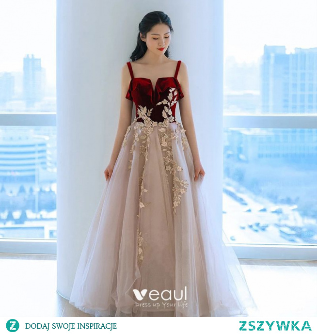 Piękne Burgund Zamszowe Sukienki Na Bal 2021 Princessa Spaghetti Pasy Frezowanie Z Koronki Kwiat Bez Rękawów Bez Pleców Długie Bal Sukienki Wizytowe