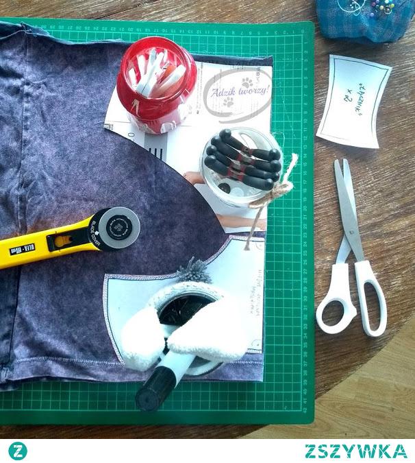 Majtki uszyte z resztki materiału po t-shircie? Tak, to da się zrobić (i nosić)! :D  Instrukcje na wykorzystanie resztek materiału do uszycia bielizny znajdziesz po KLIKnięciu w zdjęcie oraz na blogu Adzik-tworzy.pl