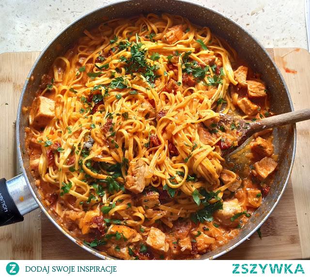 #Pikantny #makaron z kurczakiem po włosku