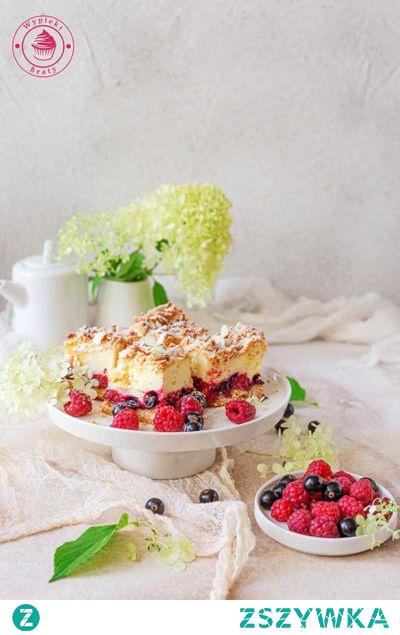 Kruche ciasto z pianką i owocami - Wypieki Beaty