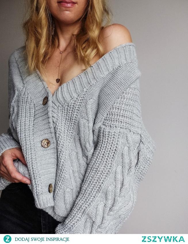 Sweter dostępny na Vinted :zalukaj123 #moda #zakupy#style #ootd
