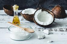 Olej kokosowy do zębów to e...