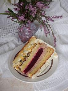 Tort malinowy z pistacjową ...
