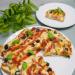 Okrągła #pizza na chlebie #tostowym