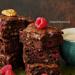 Mega ciasto czekoladowe – Brownies z malinami i orzechami. Przepis po kliknięciu w zdjęcie.