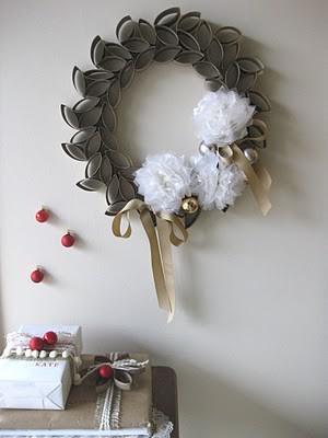dekoracja z rolek po papierze