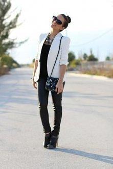 Na czarno-biało :)
