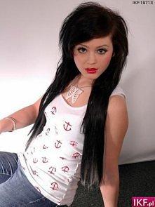 Czy wiecie kto to? Honey. Co myślicie o jej look'u? który bardziej Wam się podoba? wypowiedzcie się, nie gryzę:)