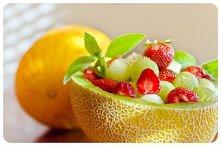 Mięta melon i truskawki
