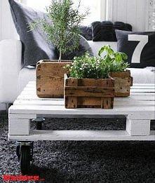 stół ze starej palety