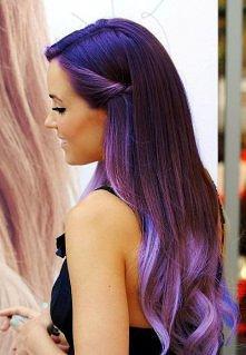 Piękne fioletowe włosy. Dzi...
