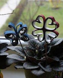 ozdoba do kwiatków z rolek po papierze