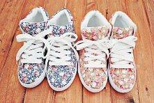 Sportowe buty w kwiaty :)