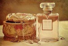 Miałam te perfumy i gorąco polecam. Pachną bardzo subtelnie i kobieco ;)