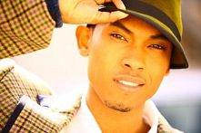 Miguel- piosenkarz r&b (jego głos działa kojąco)