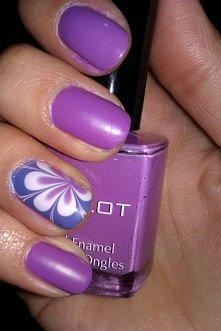 kwiatek fioletowy mat