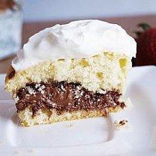 Waniliowe muffinki z nutellą w środku