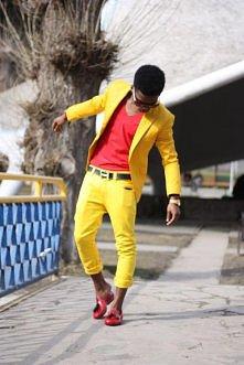żółty strój