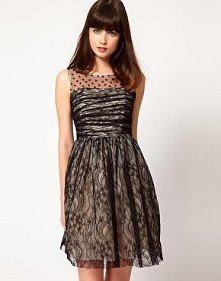 Piękna sukienka z naszytą n...