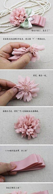 kwiatek- broszka