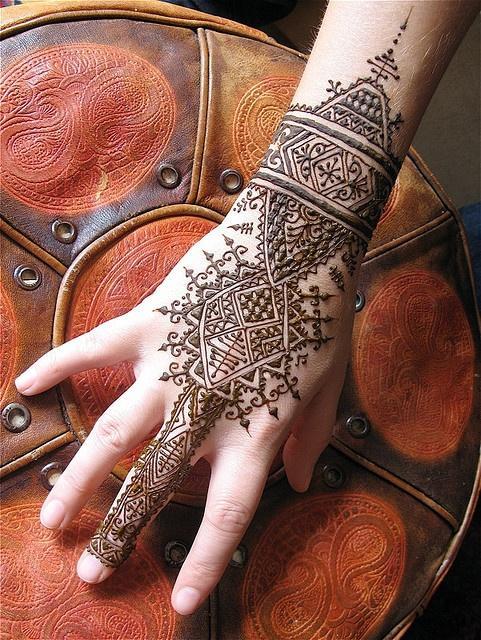Henna W Stylu Marokańskim Na Tatuaże Na Dłoni Henną Zszywkapl