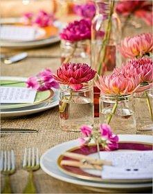 czar prostoty- pojedyncze kwiaty w niskich sloikach