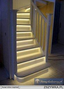 podświetlone schody